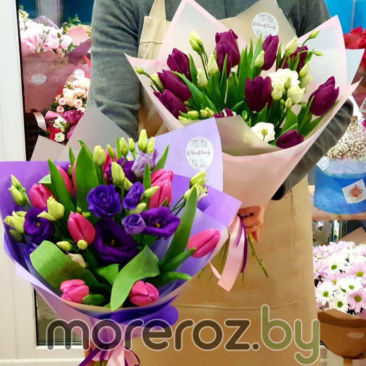 Букет из розовых тюльпанов и фиолетовой эустомы