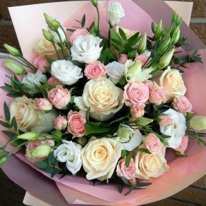 купить нежный букет цветов в минске с доставкой