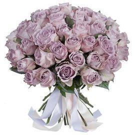 розы необычного фиолетового цвета