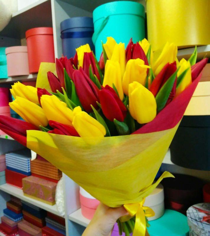 """Букет """"Красные и желтые тюльпаны"""""""