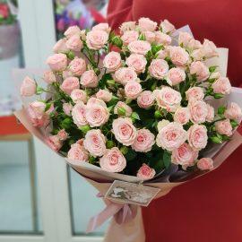 """Букет кустовых роз """"Кокетка"""""""
