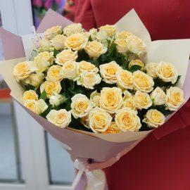 """Букет кустовых роз """"Млечный путь"""""""