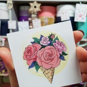 """Открытка """"Цветы в вафельном рожке"""""""