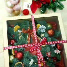 """Венок """"Рождественское чудо"""" в подарочной коробке"""