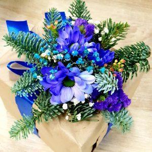Декор для подарка из живых цветов