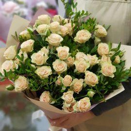 """Букет кустовых роз """"Ванильное небо"""""""