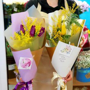Букет из тюльпанов с мимозой