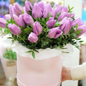 """Коробка с тюльпанами """"Лиловый шелк"""""""