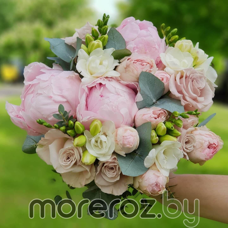 Свадебный букет в розово-пудровой гамме