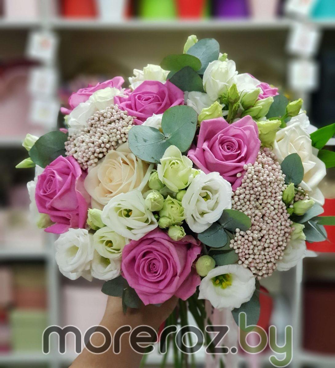 Букет невесты с розовыми розами