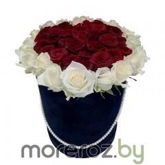 купить красные и белые розы в шляпной коробке