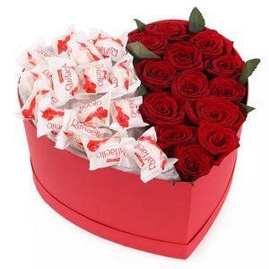 купить розы и конфеты в шляпной коробке